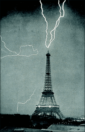Lightning at Eiffel
